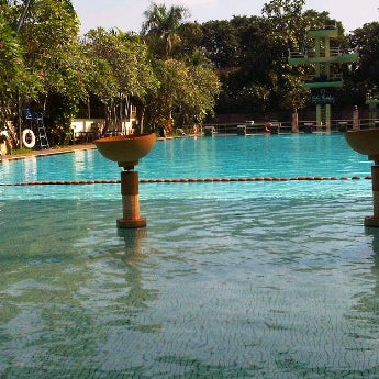 Photo taken at Graha Residence Swimming Pool by Reny, t. on 3/27/2012