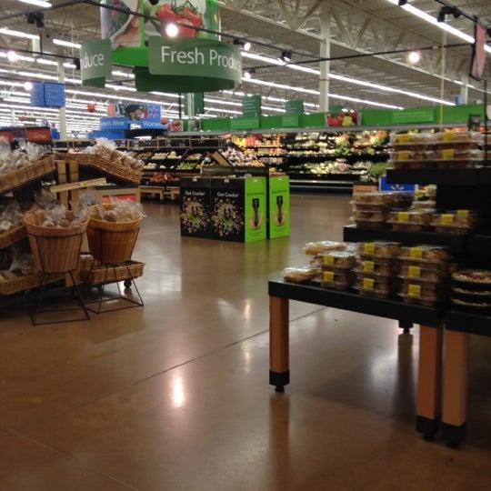 Снимок сделан в Walmart Supercenter пользователем Ryan G. 1/1/2012