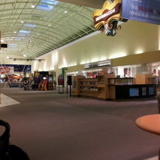 Photo taken at St. Louis Outlet Mall by Leah M. on 4/12/2012