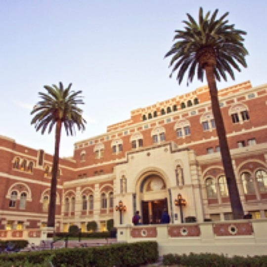 Photo taken at Doheny Memorial Library (DML) by University of Southern California M. on 11/8/2011