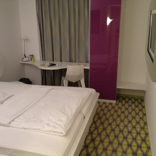 Photo taken at prizeotel Bremen-City by Fred D. on 3/2/2012