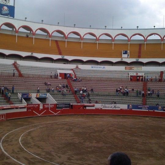 Foto tomada en Plaza de Toros Nuevo Progreso por Paola A. el 8/19/2012