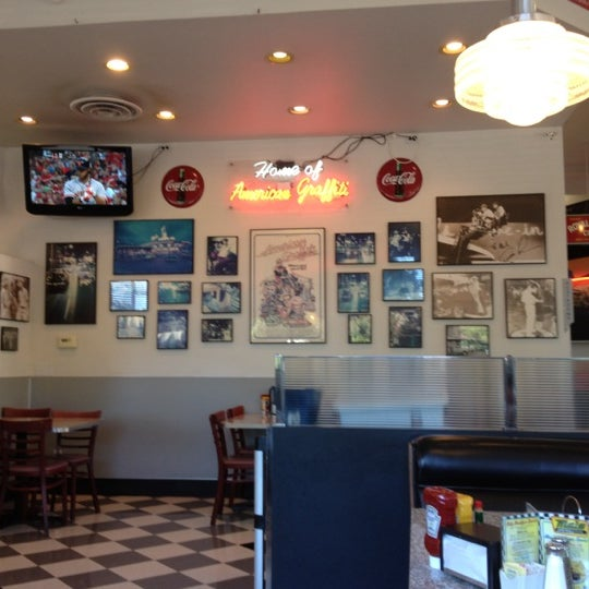 Photo taken at The Original Mel's Diner by Deo S. on 8/8/2012