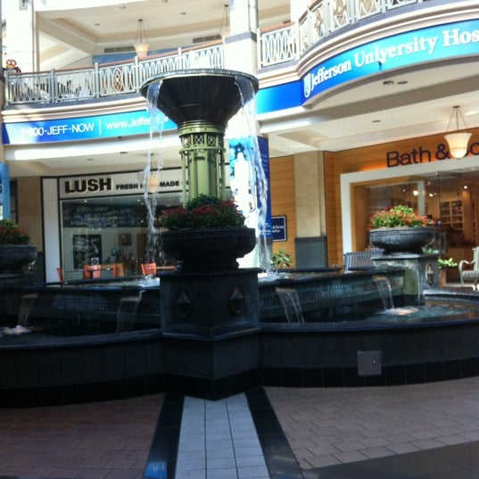 Photo taken at King of Prussia Mall by Yuning Z. on 9/12/2012
