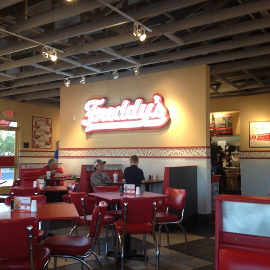 Photo taken at Freddy's Frozen Custard and Steakburgers by Freddy Q. on 2/25/2012