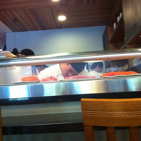 Foto tirada no(a) Sushi Koba por Marcelo d. em 8/10/2012