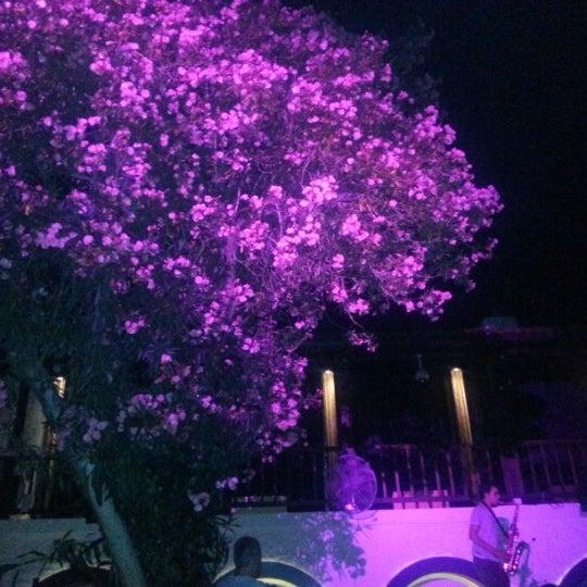 6/22/2012 tarihinde BrN D.ziyaretçi tarafından NewOld Club'de çekilen fotoğraf
