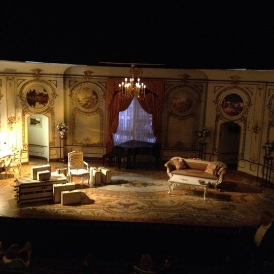 รูปภาพถ่ายที่ Belasco Theatre โดย Robocub™ เมื่อ 5/1/2012