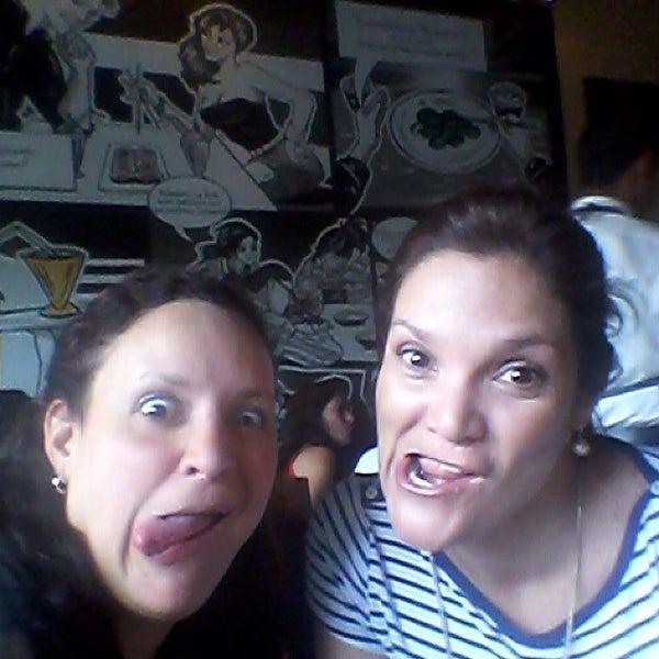 Foto tomada en Sushi & Cebiches por Emma P. el 8/30/2014
