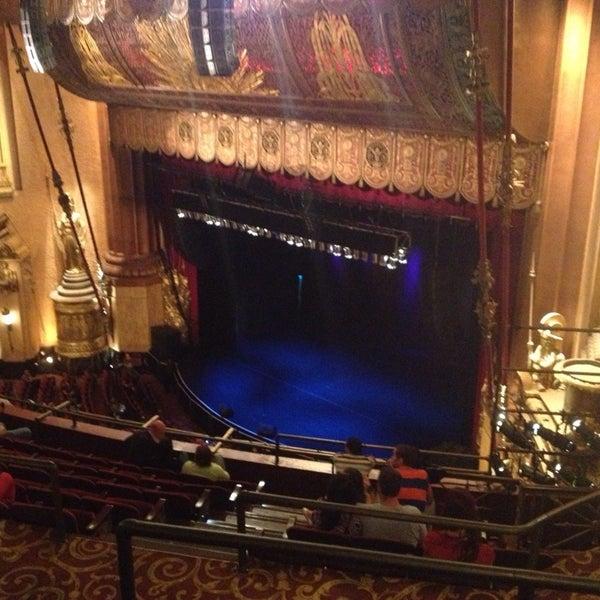 รูปภาพถ่ายที่ Beacon Theatre โดย Thomas O. เมื่อ 9/14/2013