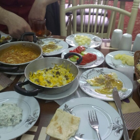4/27/2014 tarihinde • AytLLh •ziyaretçi tarafından Yeni İmsak Kahvaltı Salonu'de çekilen fotoğraf
