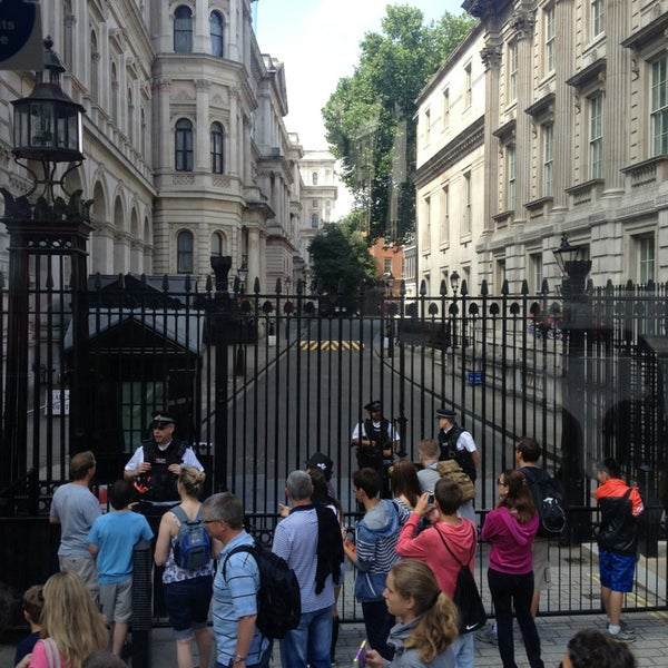 Photo taken at 10 Downing Street by kob w. on 7/21/2013