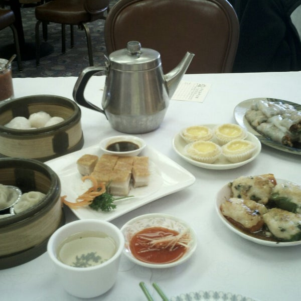 Photo taken at Canton Dim Sum & Seafood Restaurant by trishy b. on 7/20/2013