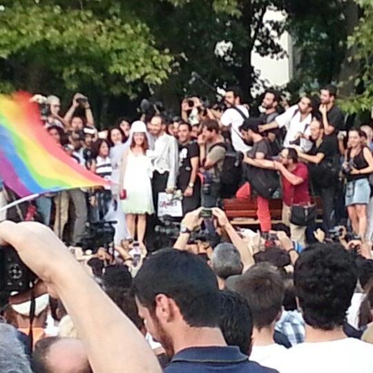 7/20/2013にEnigmaがTaksim Gezi Parkıで撮った写真
