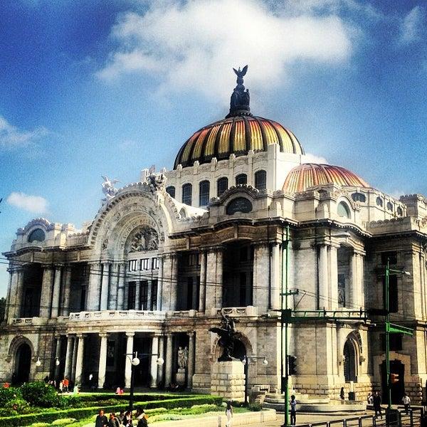 Foto tomada en Palacio de Bellas Artes por Mike F. el 7/14/2013
