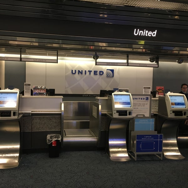 Denver United Terminal: United Airlines Ticket Counter