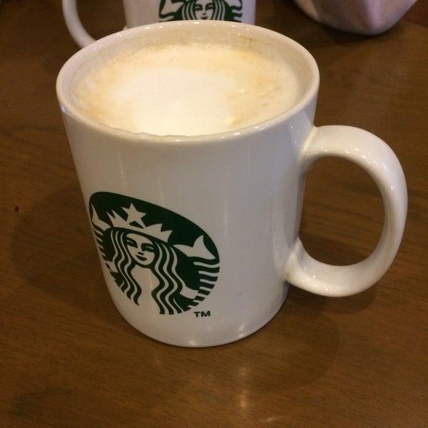 Photo taken at Starbucks by Abubakar D. on 11/11/2016