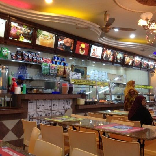 Photo taken at Restoran Al-Naz Maju by Datok A. on 8/27/2012