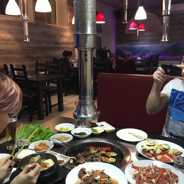 Foto tomada en Korean BBQ гриль por Tic T. el 12/30/2016