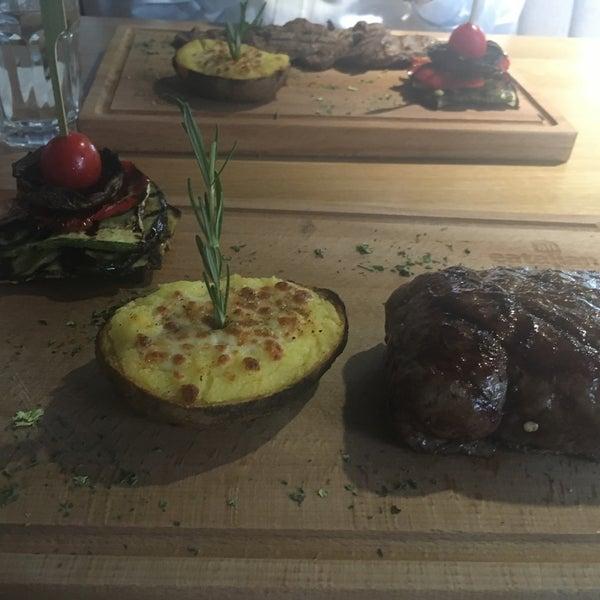 4/26/2017 tarihinde Aaaziyaretçi tarafından All Eatalian ( Pizza - Bakery - Breakfast )'de çekilen fotoğraf
