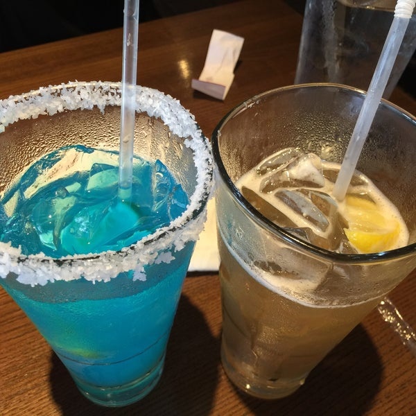 Photo taken at TGI Fridays by Danny C. on 6/11/2016