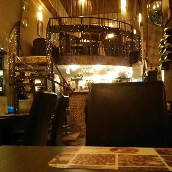 9/19/2013 tarihinde Artem S.ziyaretçi tarafından Café Bon Apрétit'de çekilen fotoğraf