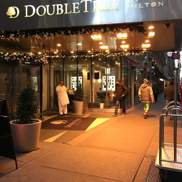 Photo taken at DoubleTree by Hilton Hotel Metropolitan - New York City by Manolo R. on 1/1/2017
