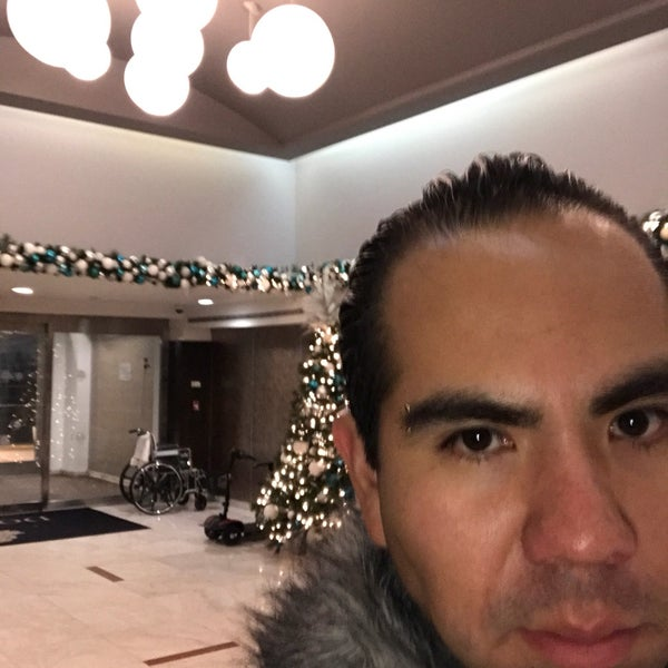 Photo taken at DoubleTree by Hilton Hotel Metropolitan - New York City by Manolo R. on 1/2/2017