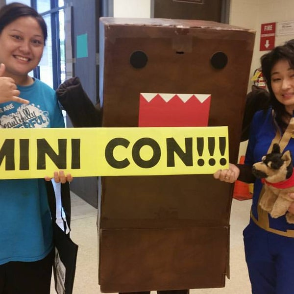Photo taken at McCully-Mōʻiliʻili Public Library by Trina O. on 9/25/2016