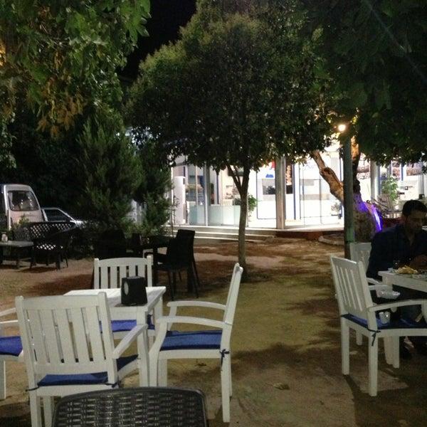 Photo taken at İncir Cafe & Restaurant by Hüseyin G. on 8/5/2013