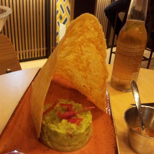 Nos ha encantado el queso con guacamole.Hemos probado los tacos de buey y del pastor y están riquísimos. Pendiente otra visita para seguir probando platos
