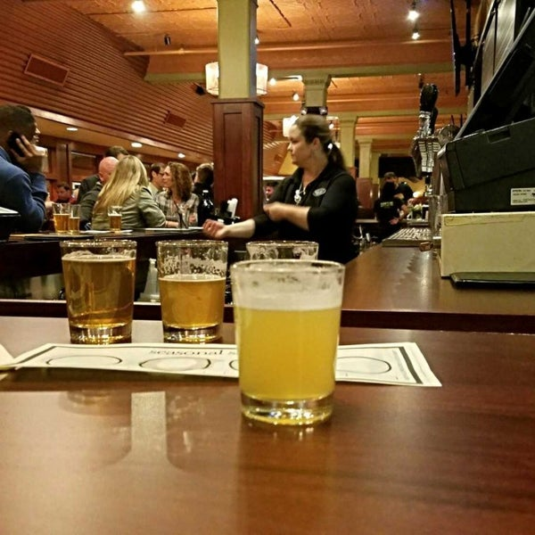 Photo taken at Iron Hill Brewery & Restaurant by Gerry D. on 5/5/2017