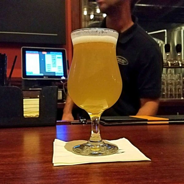 Photo taken at Iron Hill Brewery & Restaurant by Gerry D. on 5/22/2017