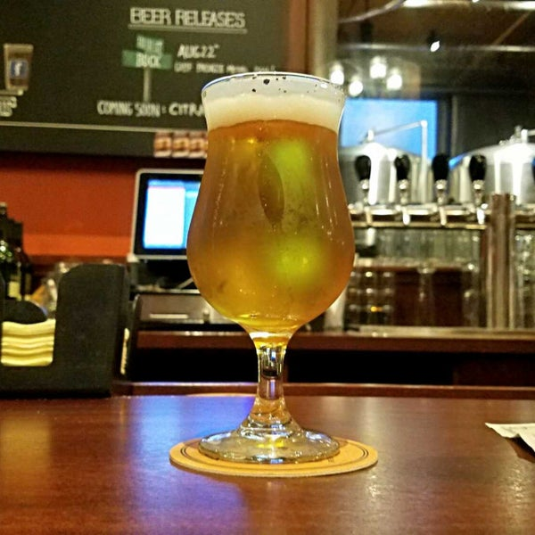 Photo taken at Iron Hill Brewery & Restaurant by Gerry D. on 8/28/2017