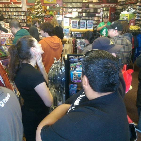 Photo taken at Game Over Videogames by Nick M. on 11/29/2014
