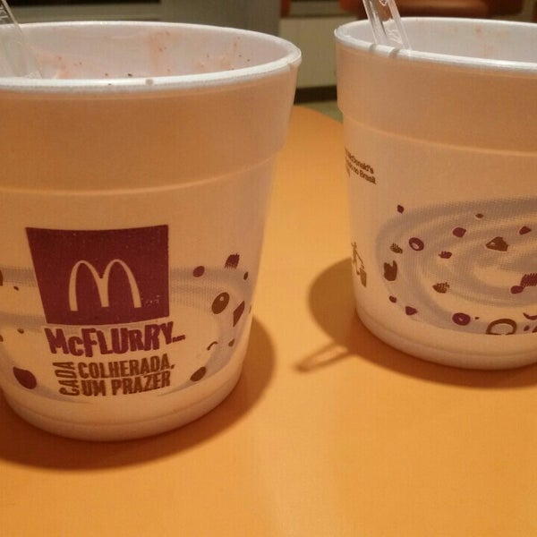 Photo taken at McDonald's by Eliane C. on 6/9/2016
