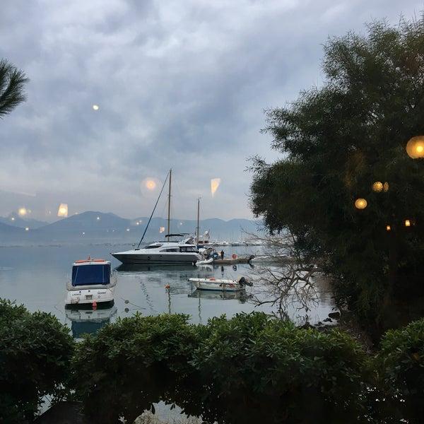 2/4/2018 tarihinde Ayşen S.ziyaretçi tarafından Fethiye Yengeç Restaurant'de çekilen fotoğraf