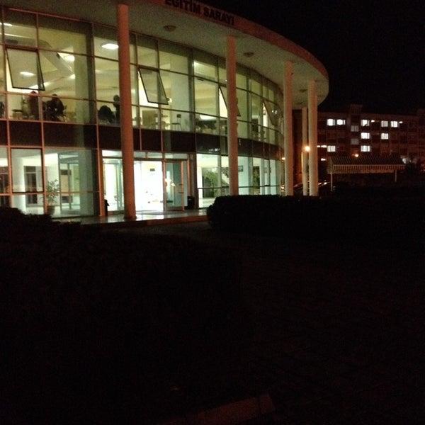 11/16/2013 tarihinde Öykü H.ziyaretçi tarafından Eğitim Sarayı'de çekilen fotoğraf
