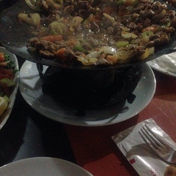 12/26/2014 tarihinde İbrahim A.ziyaretçi tarafından Koçlar Restaurant ve Dinlenme Tesisi'de çekilen fotoğraf