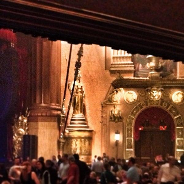 รูปภาพถ่ายที่ Beacon Theatre โดย Bob K. เมื่อ 5/24/2013