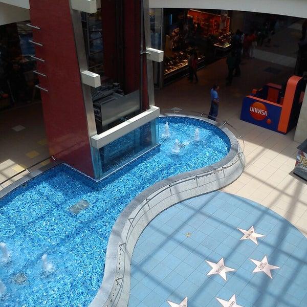 Foto tirada no(a) Mall del Sur por César C. em 3/2/2014