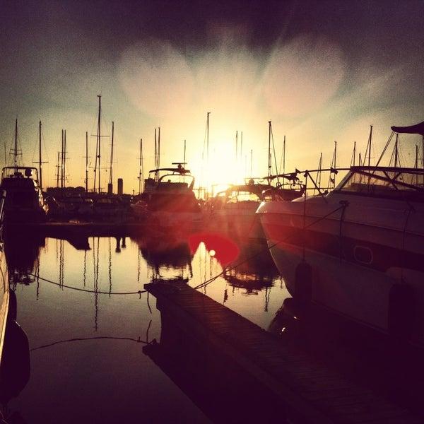 7/23/2013 tarihinde Murat E.ziyaretçi tarafından Ataköy Marina'de çekilen fotoğraf