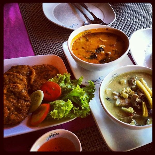 Снимок сделан в Tanta's Thai Restaurant пользователем Pay Nee 5/13/2013