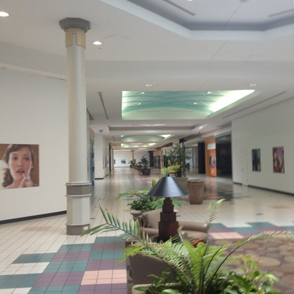 Went specifically for the Dillard's. This side of the mall was very empty as seen in the photo.