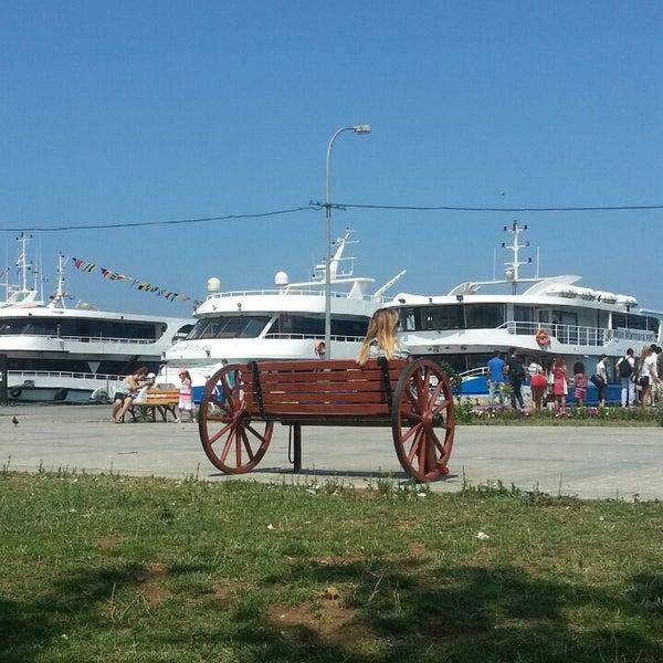 Photo taken at Büyükada Mavi Marmara Motor İskelesi by Arzu K. on 8/10/2013