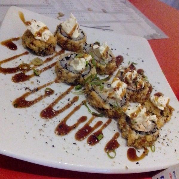Foto tirada no(a) Sociedade do Sushi por Thaianá Lís em 7/23/2014