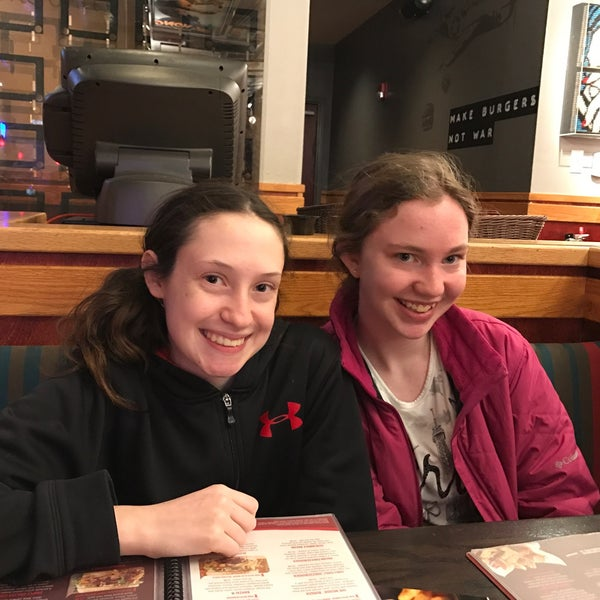 Photo taken at Red Robin Gourmet Burgers by Brian E. on 3/26/2017