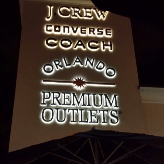 Photo taken at Orlando Vineland Premium Outlets by Froooty67 on 8/14/2013