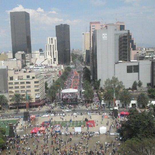 Das Foto wurde bei Mirador Monumento a la Revolución Mexicana von MarKo P. am 4/19/2014 aufgenommen