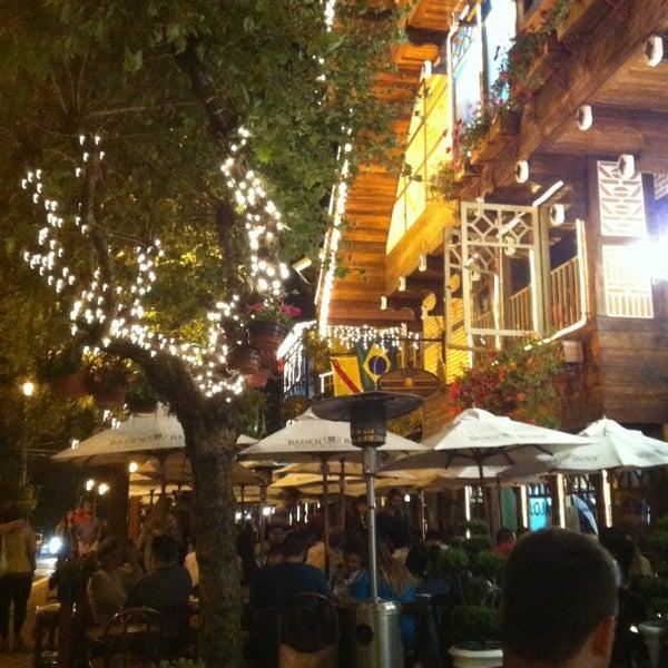 Foto tirada no(a) Boulevard Geneve por Silvio d. em 12/27/2012